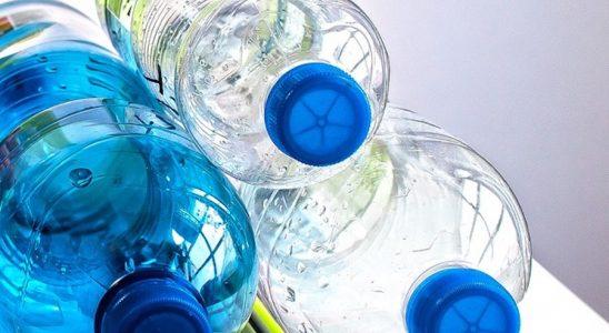 bouteilles en plastique polluantes